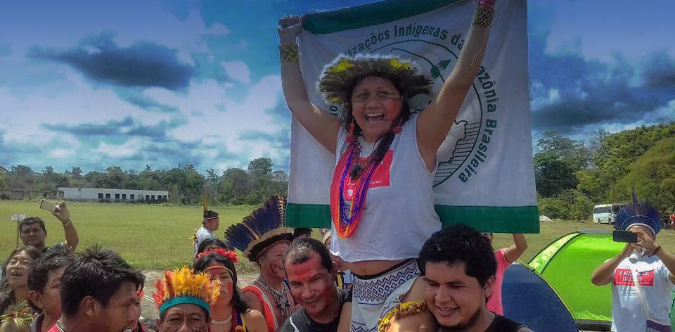 """""""Ser indígena hoje é sinônimo de resistência"""", diz Nara Baré, a primeira mulher a assumir a Coiab"""