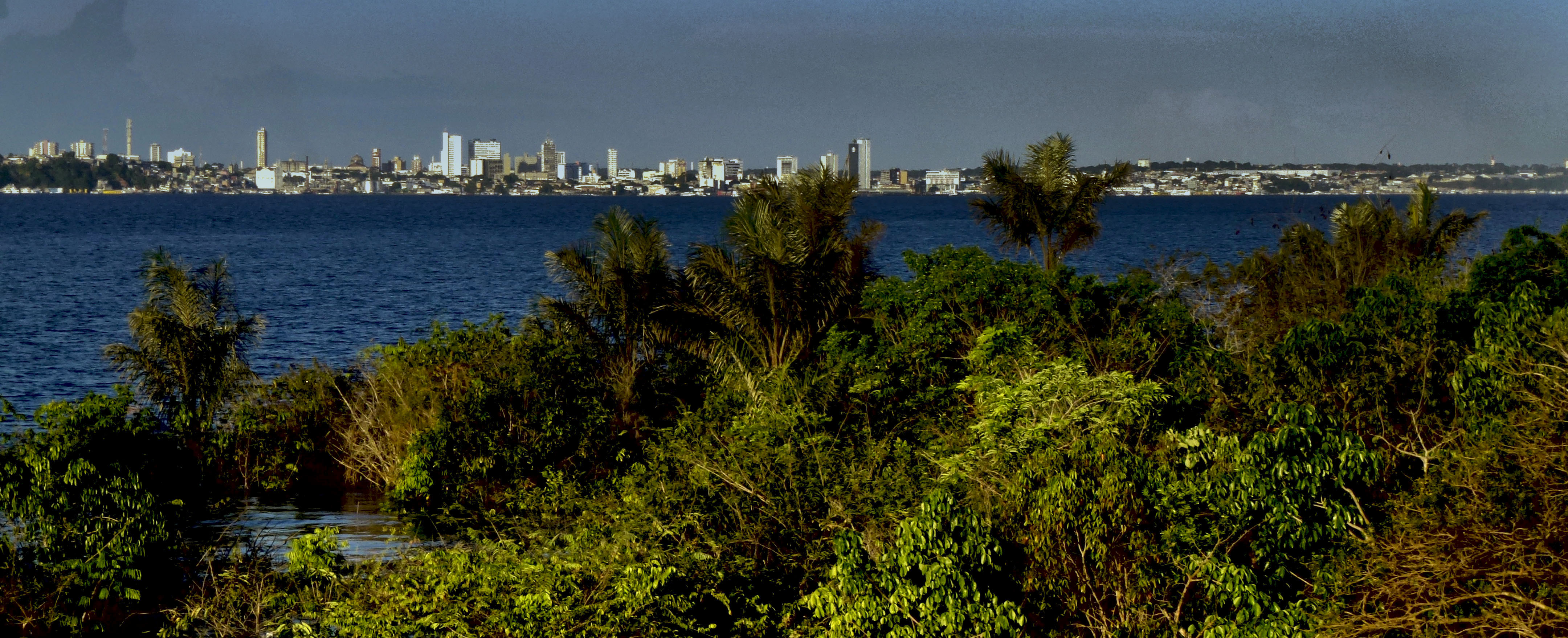 Aniversário das muitas Manaus e seus contrastes