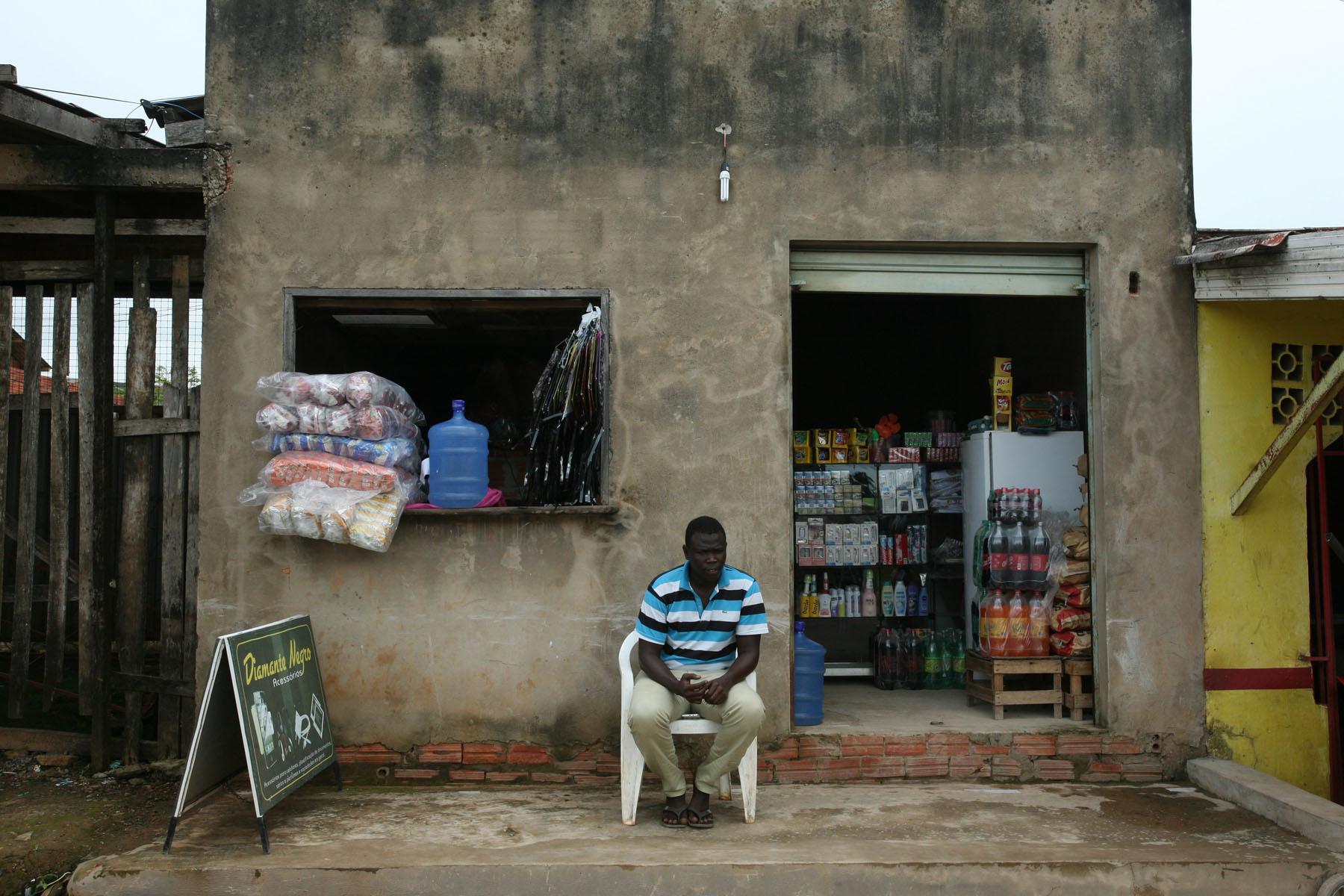 Migrante cidadão: senegalês transforma a casa em abrigo humanitário no Acre