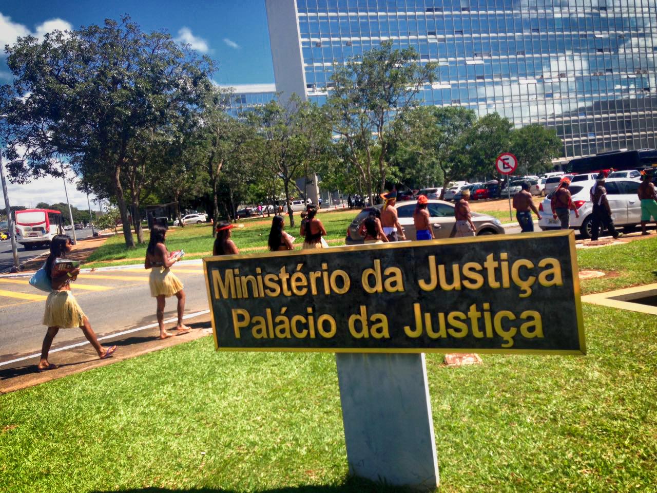 Munduruku fazem protesto em Brasília pela demarcação da terra Sawré Muybu