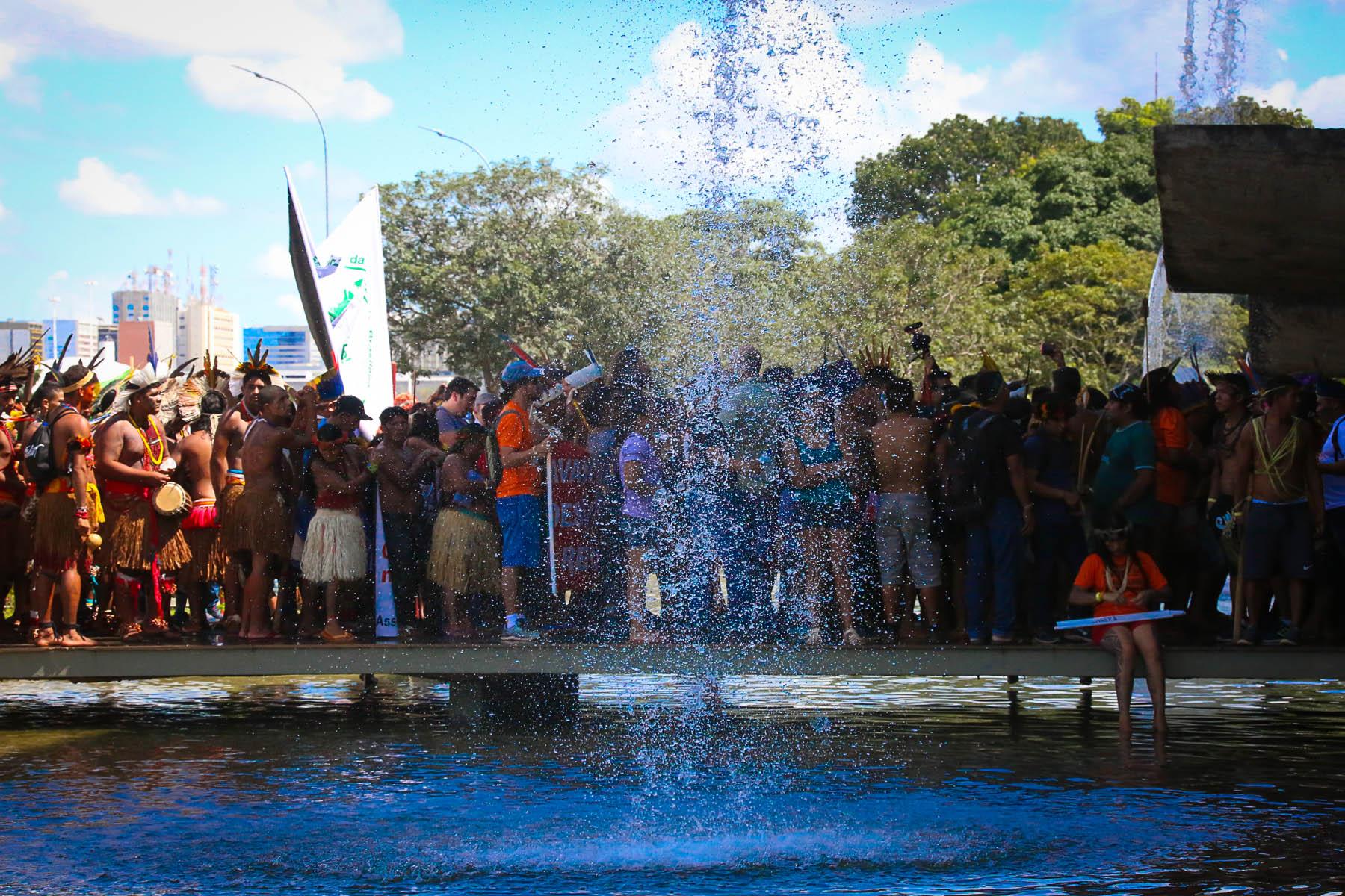 A política doreconhecimentoétnicoe os índios no Brasil contemporâneo