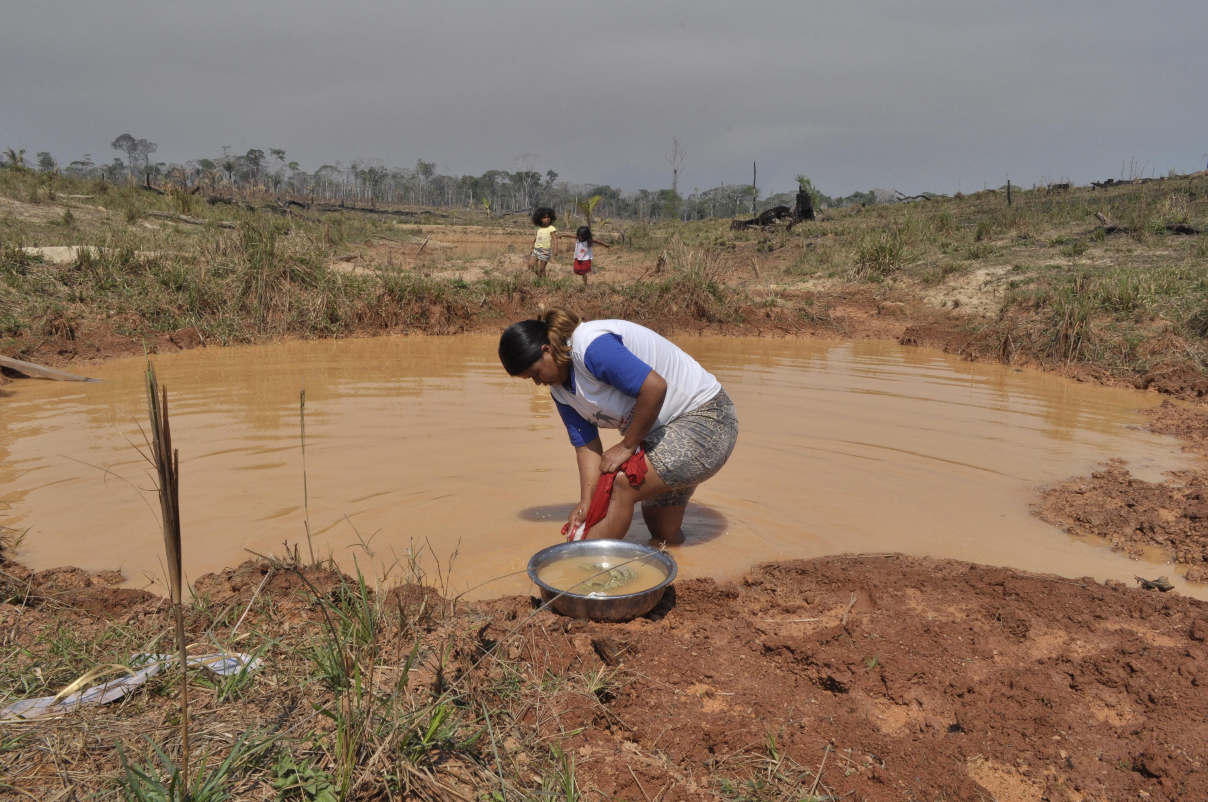 Indígenas Apurinã enfrentam crise hídrica há 3 anos na Amazônia