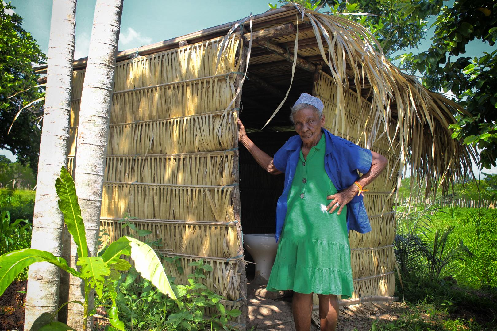 Sem saneamento – 'Banheiro é o seguinte: quem não fizer uma casinha vai para o mato'