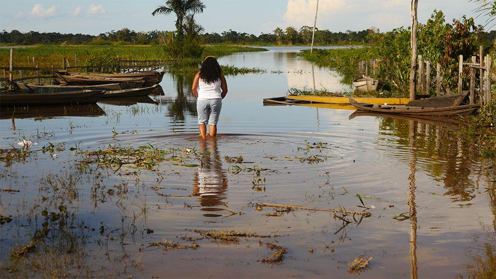 """Documentário """"Encantadas"""" mostra a resistência das mulheres ativistas na Amazônia"""