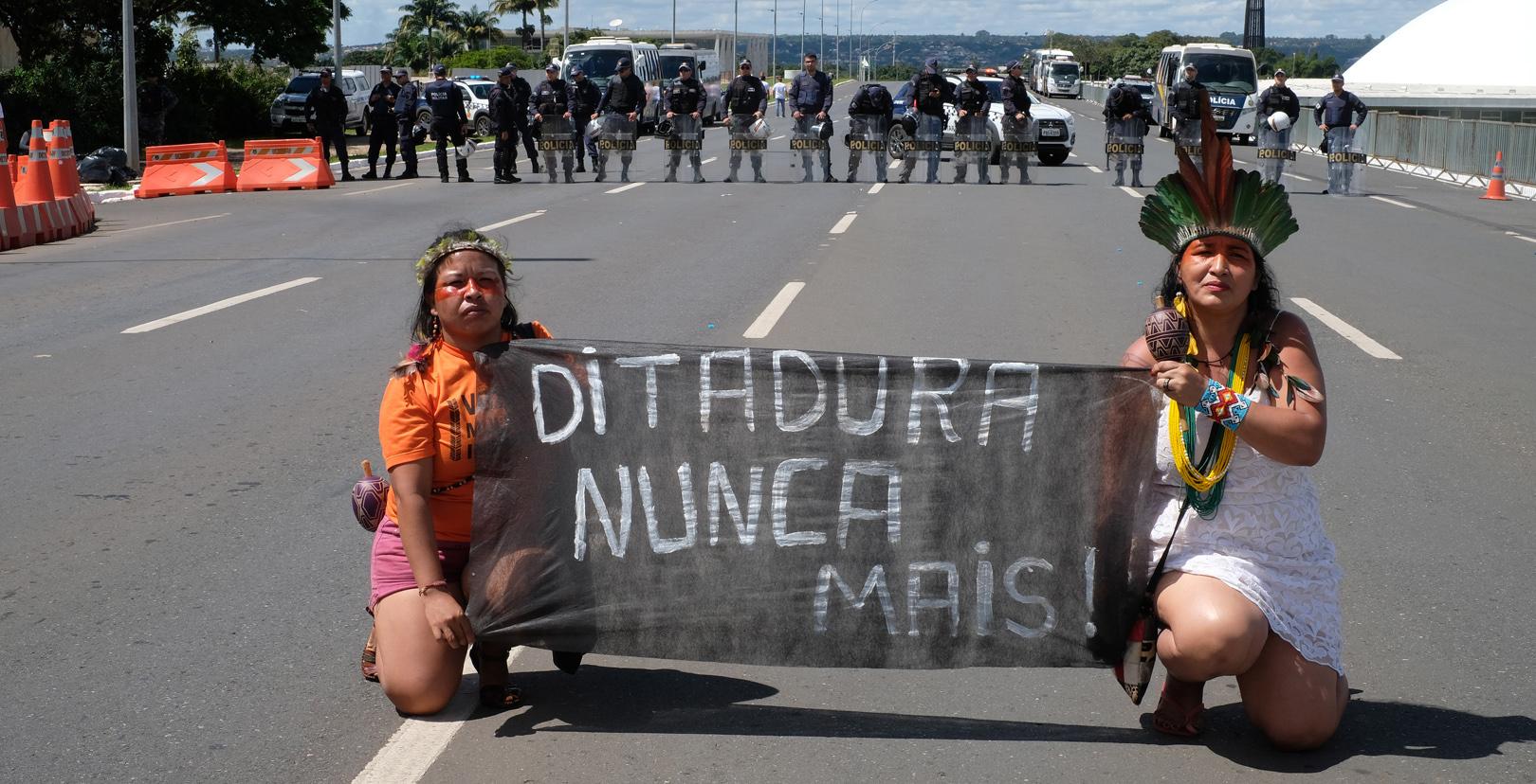 ATL reafirma força, mas governo Bolsonaro é irredutível na política indigenista