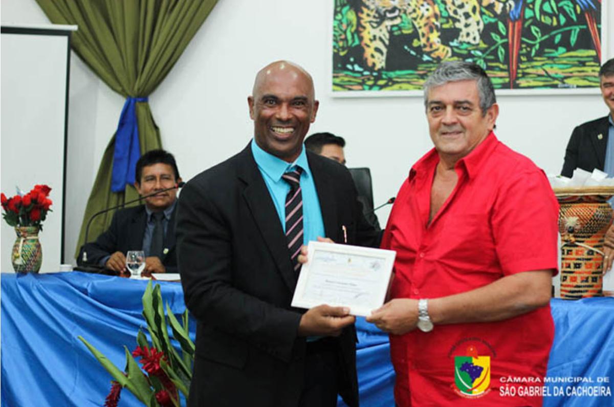 Condenado por abusos sexuais contra meninas indígenas recebe homenagem da Comissão da Mulher de São Gabriel