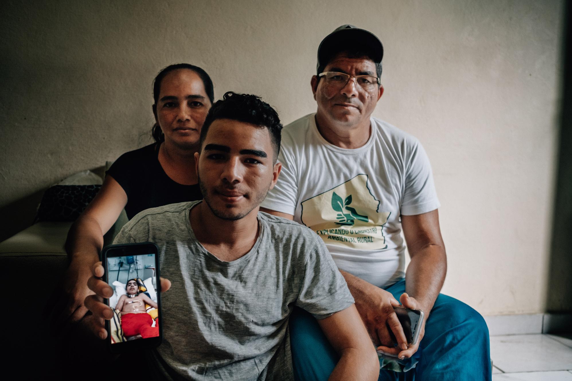 Família de menino, curado da raiva humana, vive em situação vulnerável em Manaus