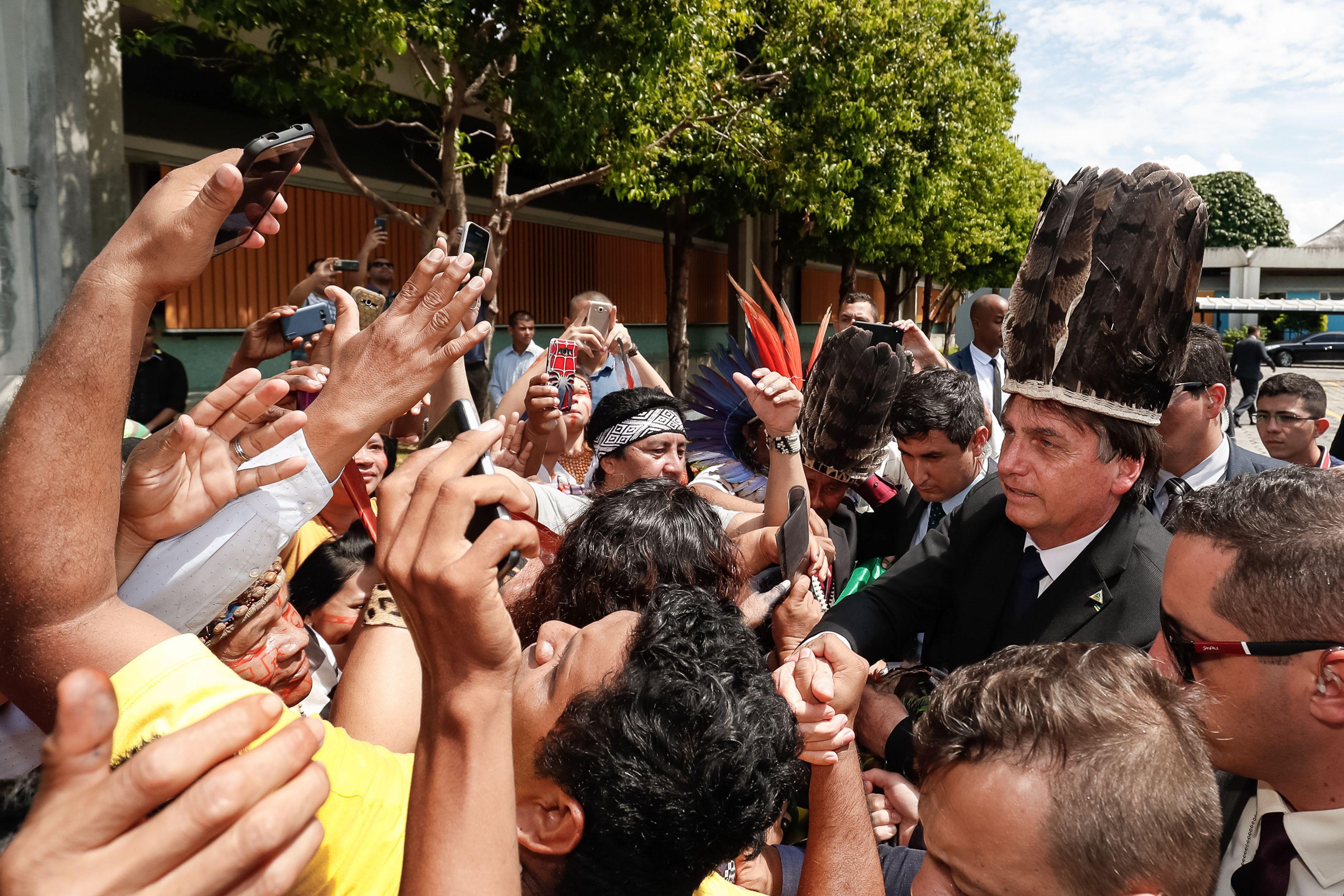 """O novo presidente do Brasil e """"ruralistas"""" ameaçam o meio ambiente, povos tradicionais da Amazônia e o clima global"""