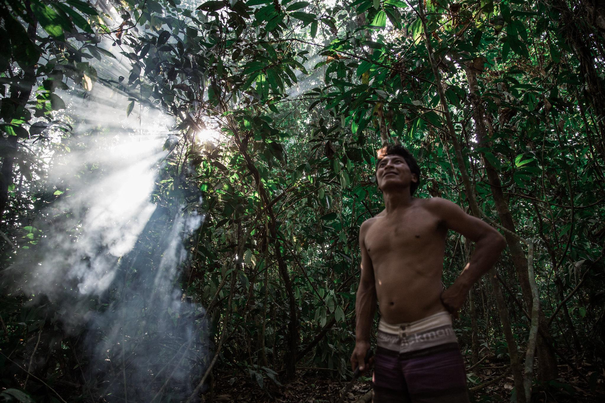 Coronavírus: enterro de indígena sem ritual requer diálogo entre lideranças e o Ministério da Saúde, dizem especialistas