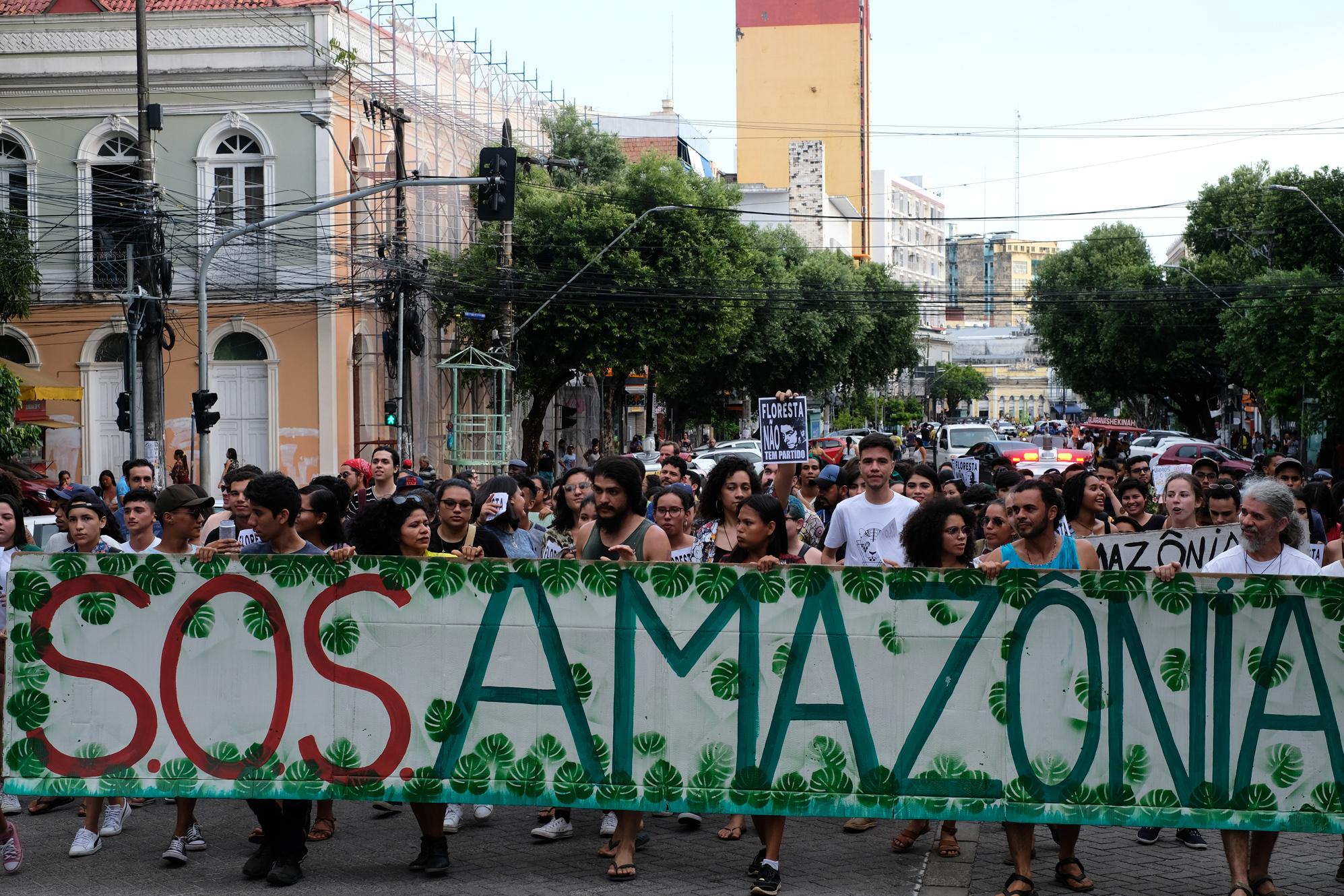 Amazônia em Chamas: atos em Belém e em Manaus cobram ações de Bolsonaro contra as queimadas na floresta