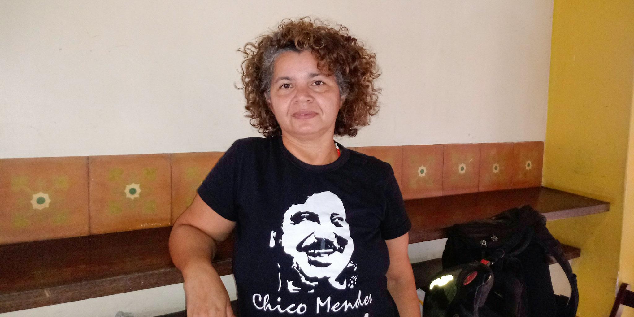 """Amazônia em Chamas: filha de Chico Mendes lidera """"empates"""" contra as queimadas"""