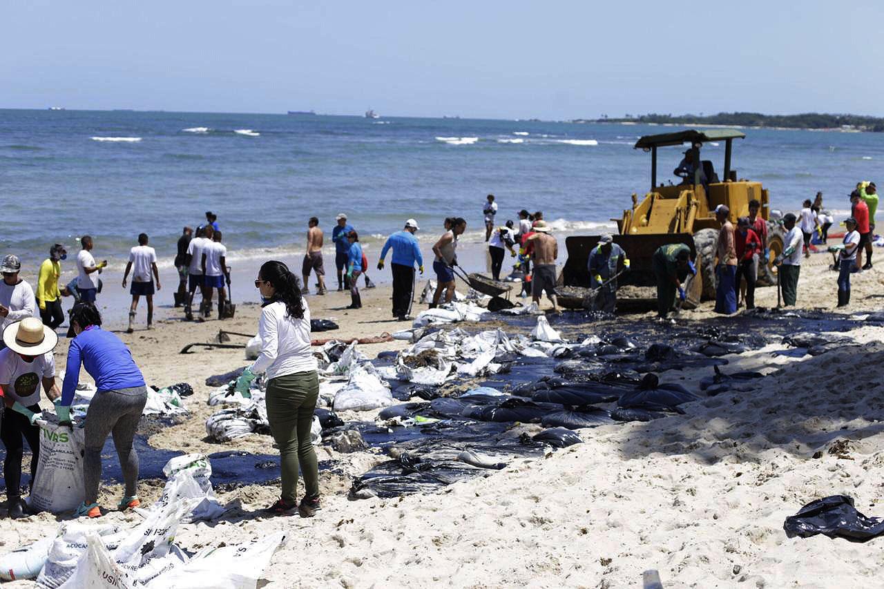 O derramamento de petróleo no Nordeste: um alerta para o Pré-Sal e para a Amazônia