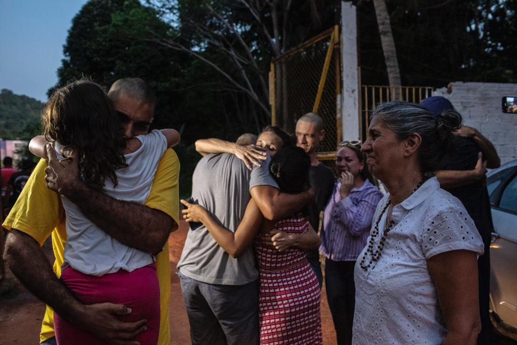 Após liberdade, famílias querem provar a inocência de brigadistas de Alter do Chão