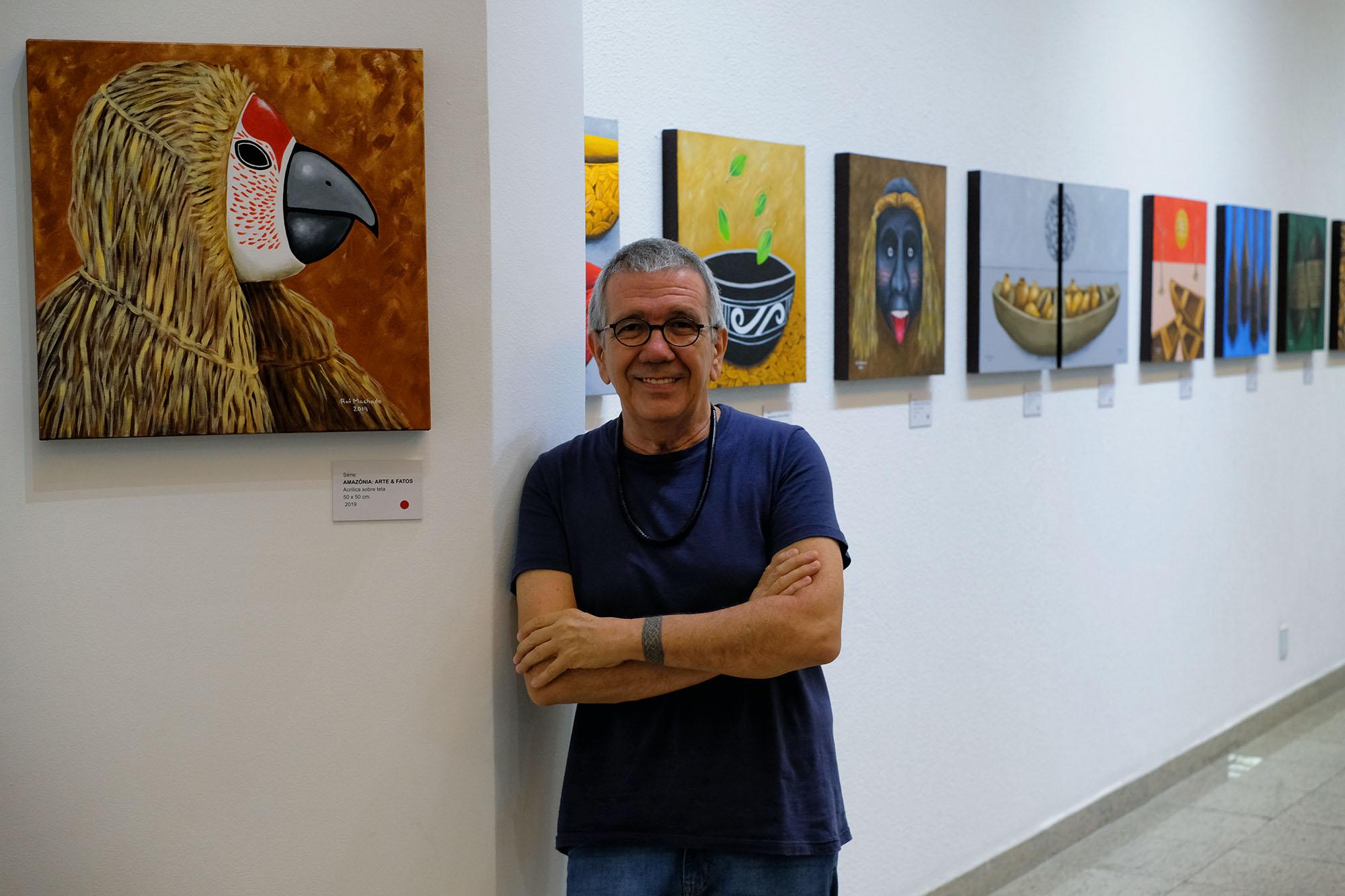 """""""Já nasci artista"""", diz Rui Machado, que celebra 37 anos de carreira com exposição na Galeria do Icbeu Manaus"""