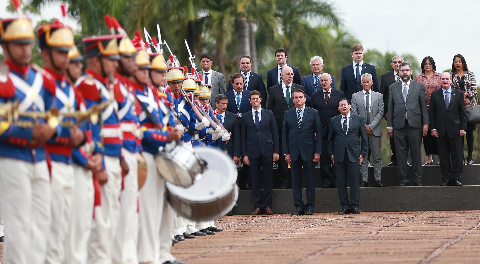 O Brasil do pajé Bolsonaro