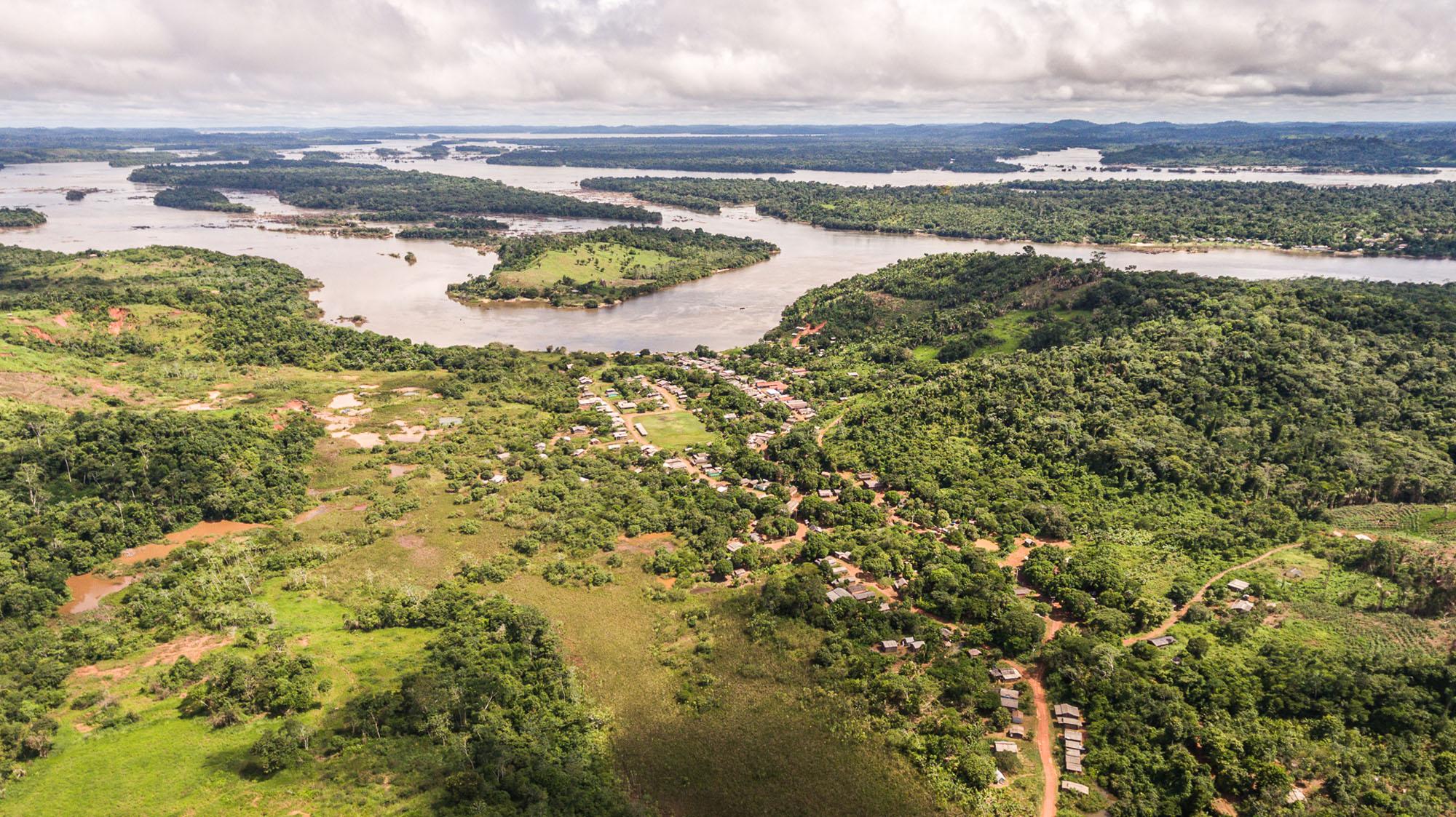 Indígenas Juruna vivem em risco por megaempreendimentos na Amazônia