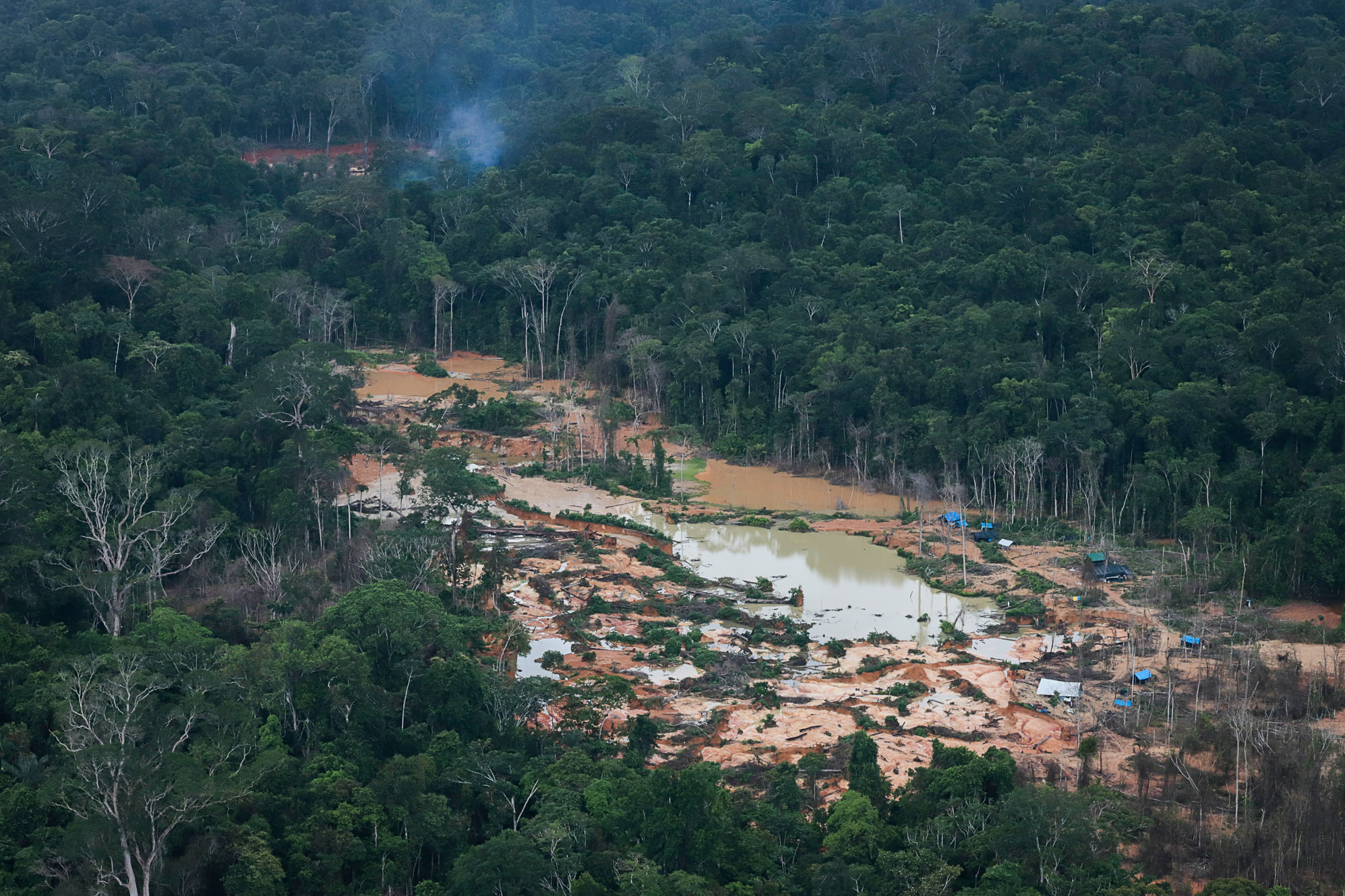 Garimpo na Terra Yanomami põe em risco indígenas isolados