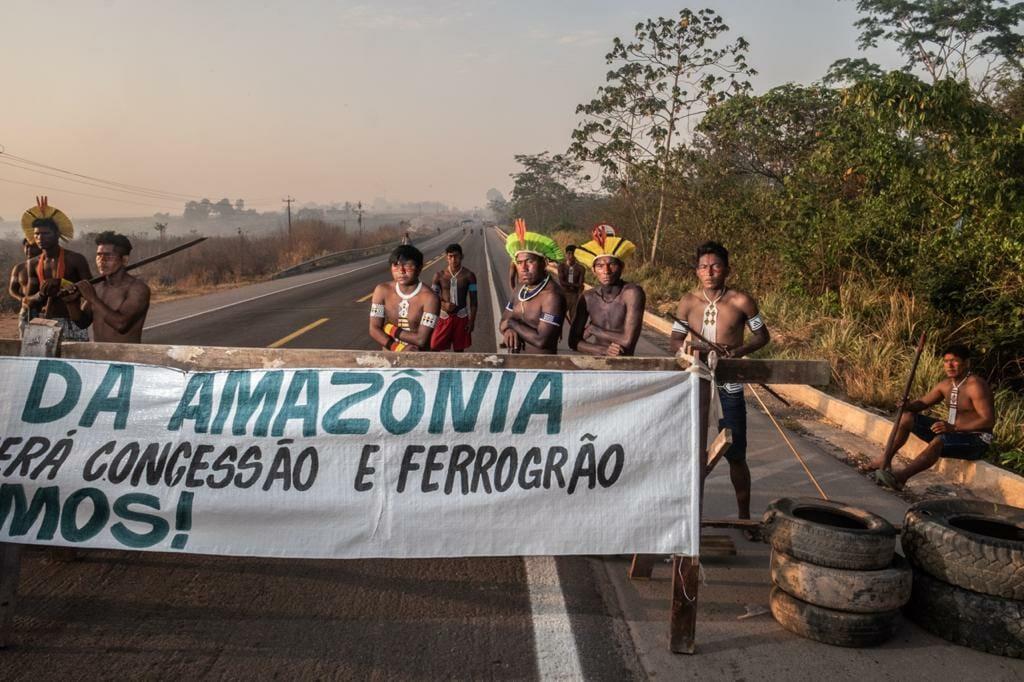 """Vamos resistir"", dizem indígenas Kayapó sobre bloqueio na BR-163 no Pará"