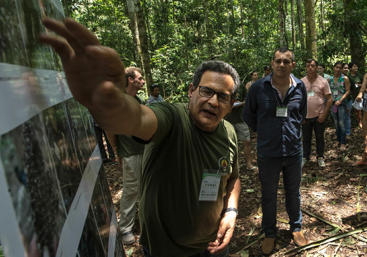 Defensor dos indígenas isolados, Rieli Franciscato morre com uma flecha no coração, em Rondônia