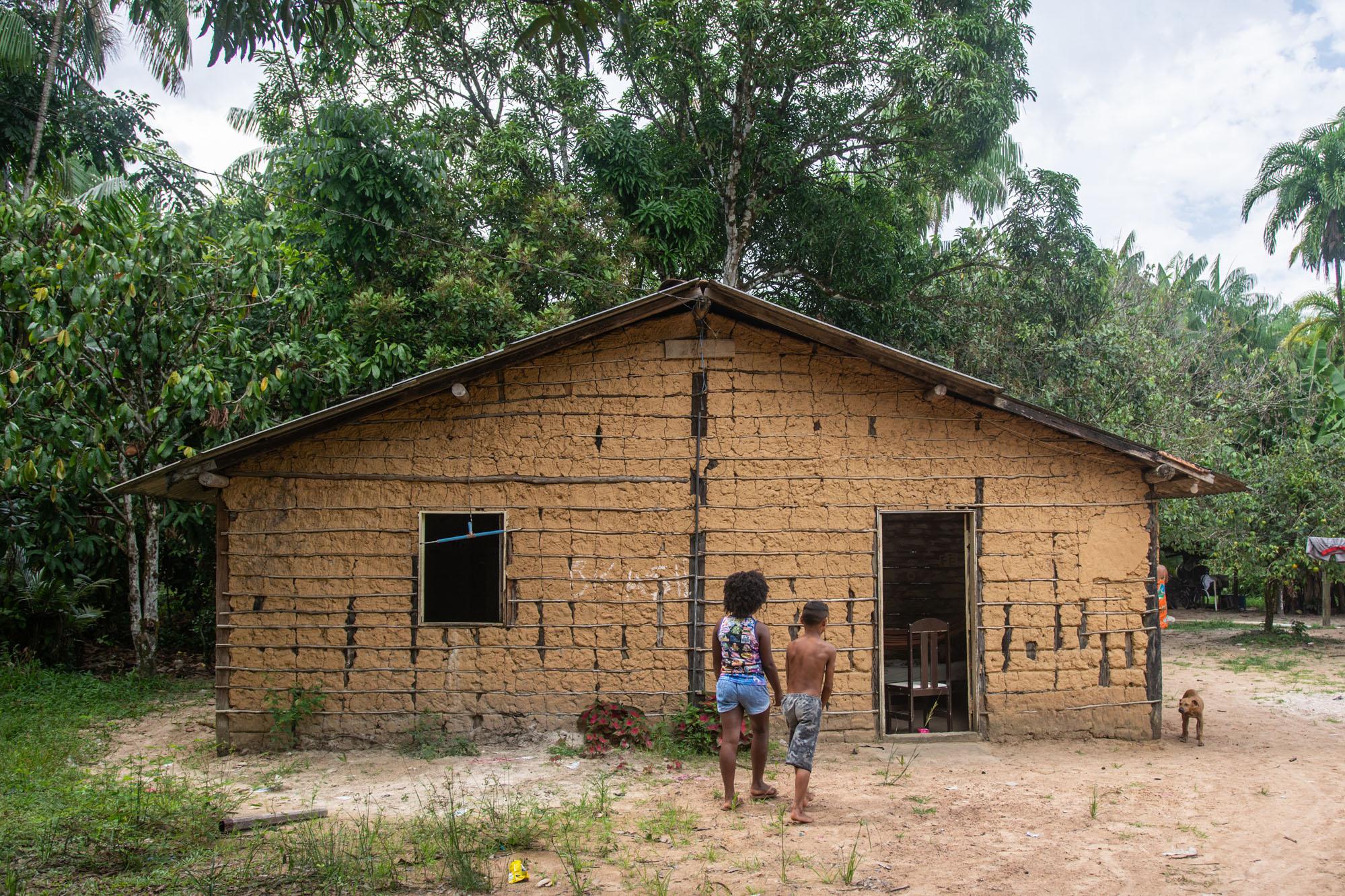 Subestação de energia entra em funcionamento e ameaça quilombolas em plena pandemia no Pará