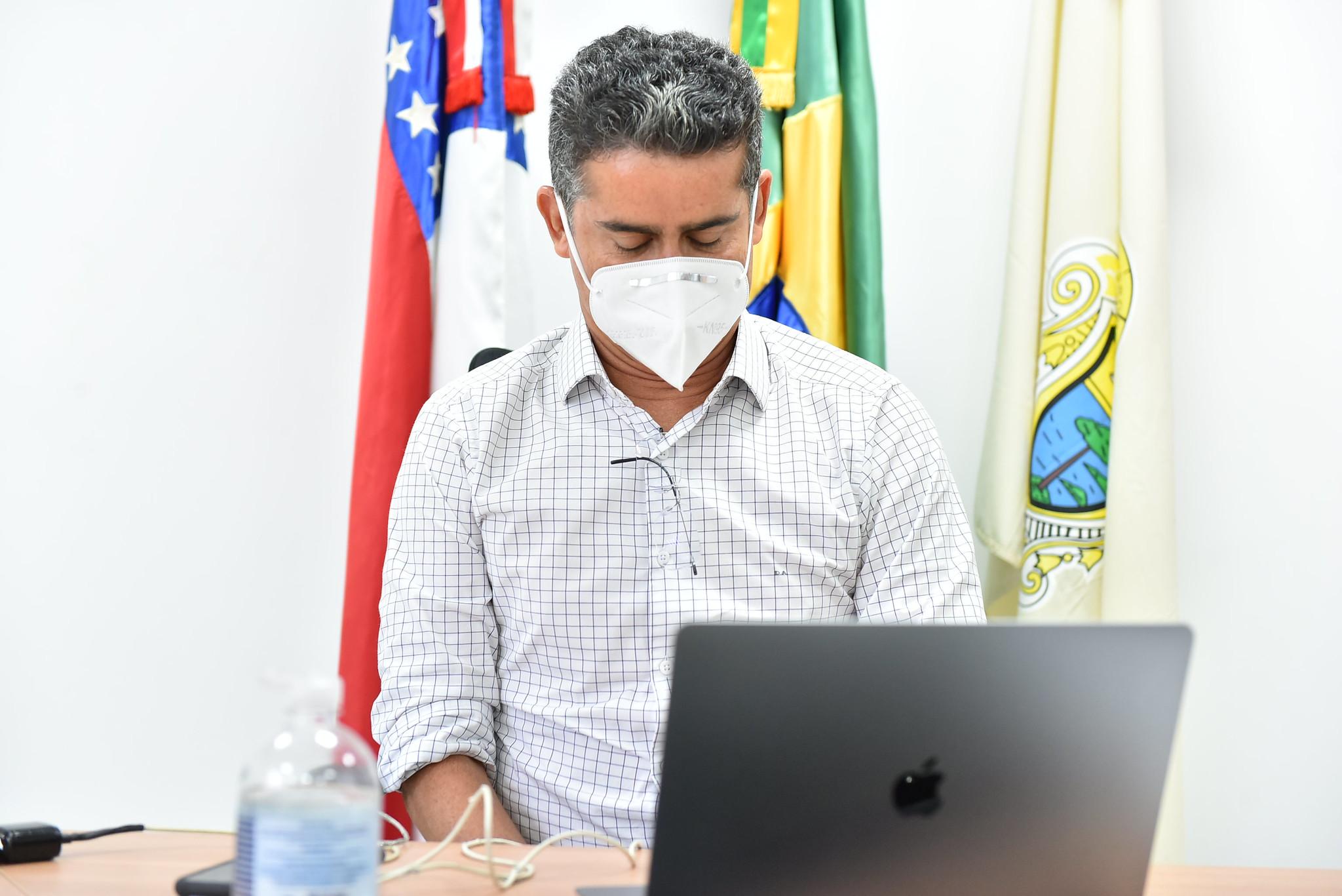 "Prefeito de Manaus recua e desfaz ""cabide de emprego"" na área cultural"