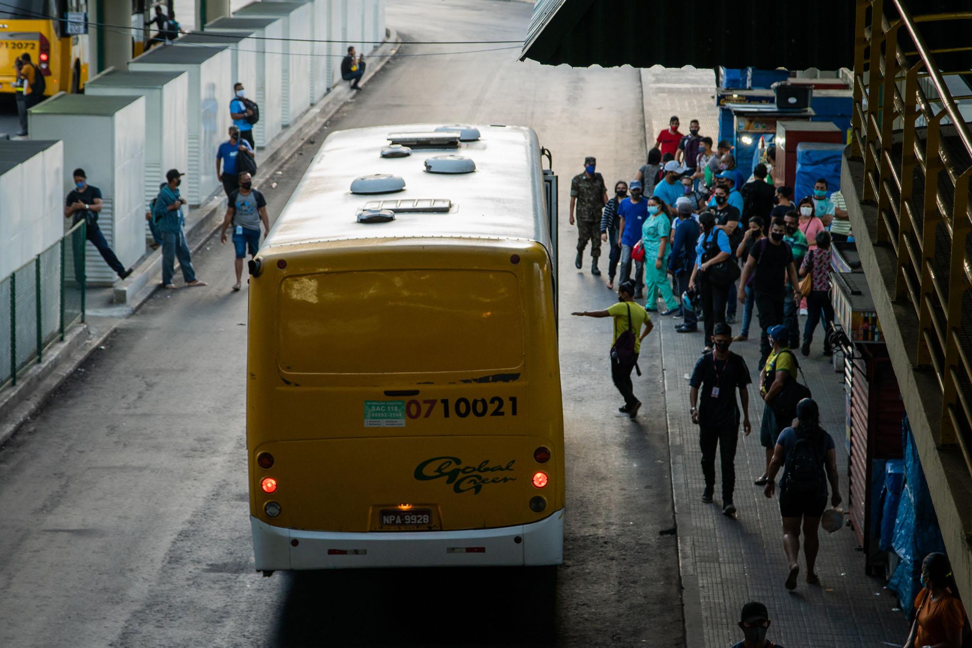 Caos na Pandemia: Manauara descumpre lockdown parcial