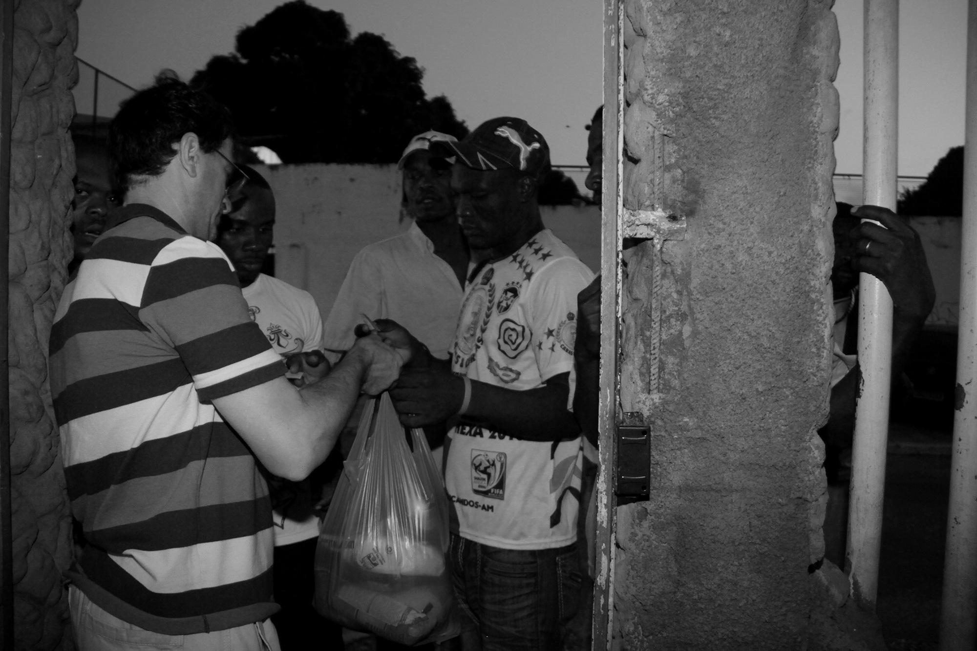 Caos na Pandemia: Migrantes estão em situação de fome, diz padre Valdecir Molinari