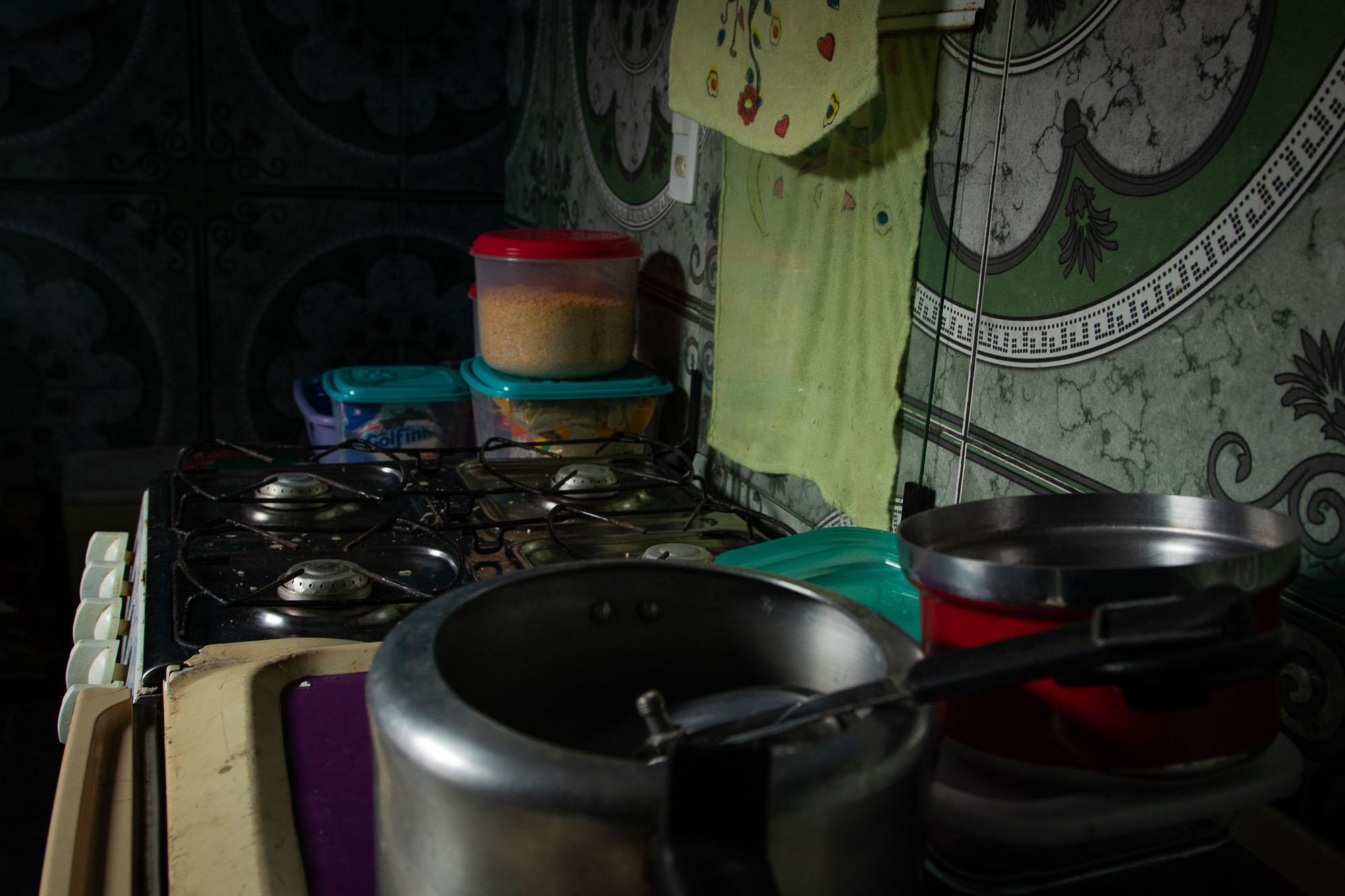 No lockdown parcial, fome emerge nas ruas de Manaus