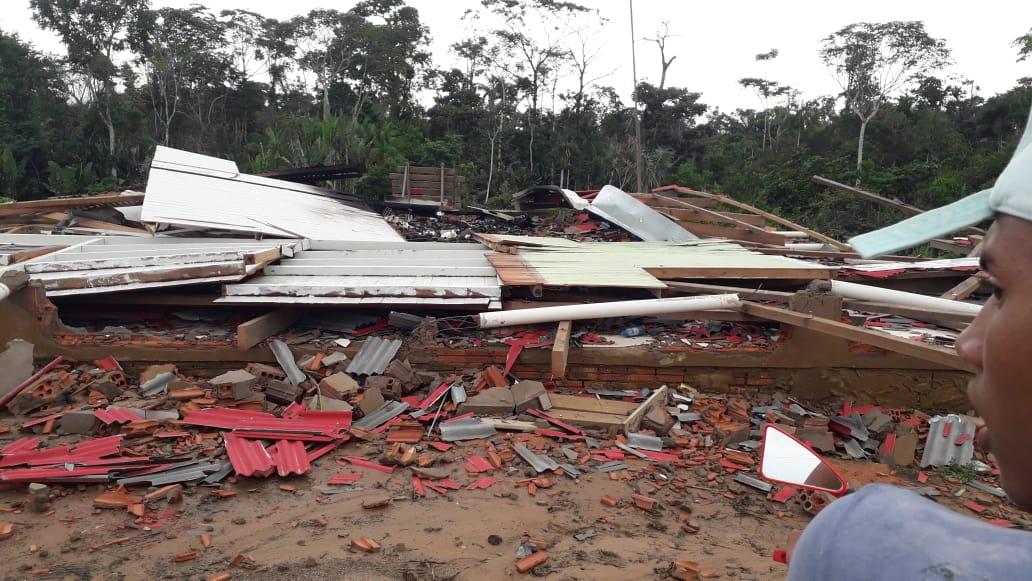 Reintegração expulsa à força 14 famílias em Boca do Acre, no sul do Amazonas