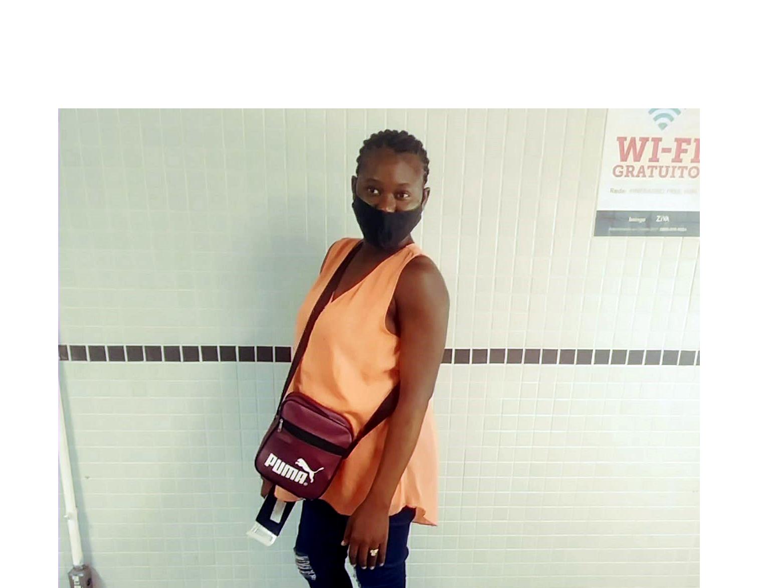"""Tratada como """"mula"""" do tráfico de drogas, haitiana grávida morre em avião da GOL"""