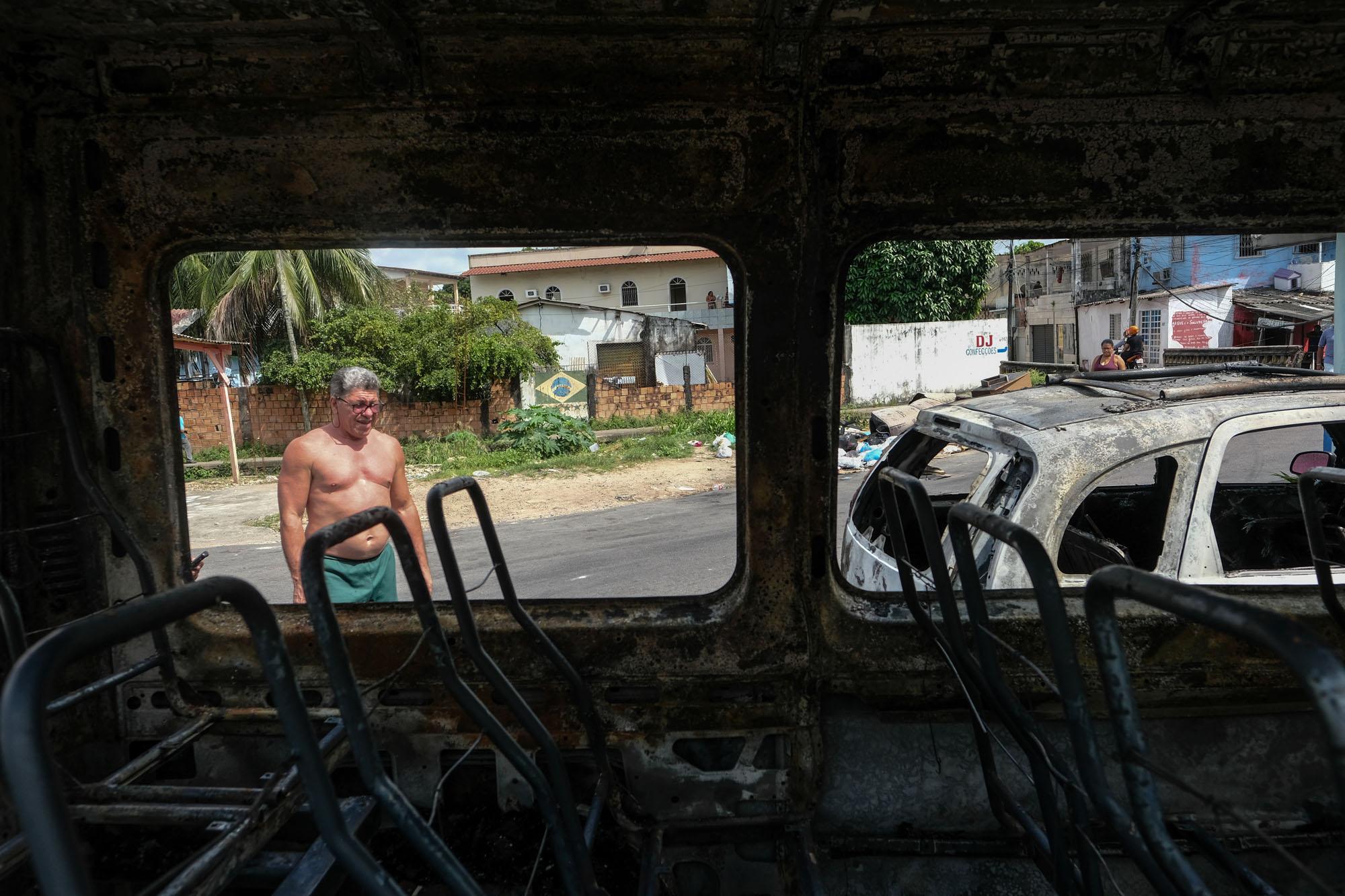 Ataques do Comando Vermelho deixam Manaus sitiada