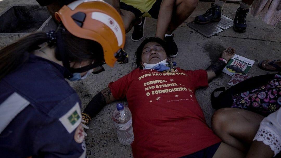 Polícia reprime indígenas durante protesto contra votação de PL que altera demarcação