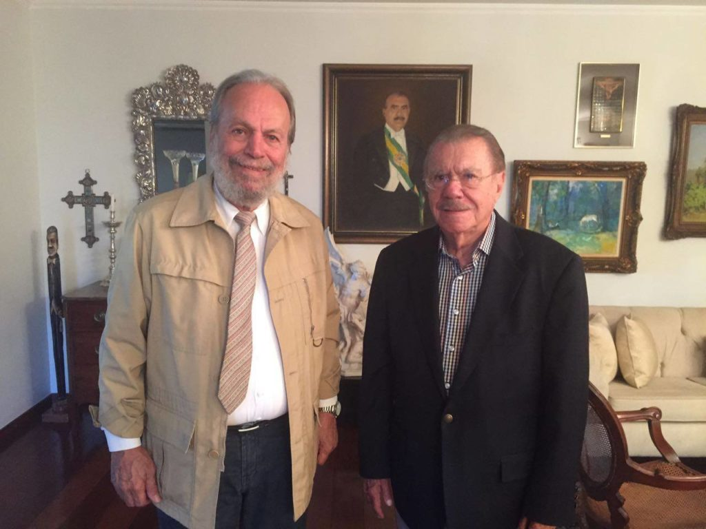 Zé altino com o ex-presidente José Sarney (Reprodução Facebook)