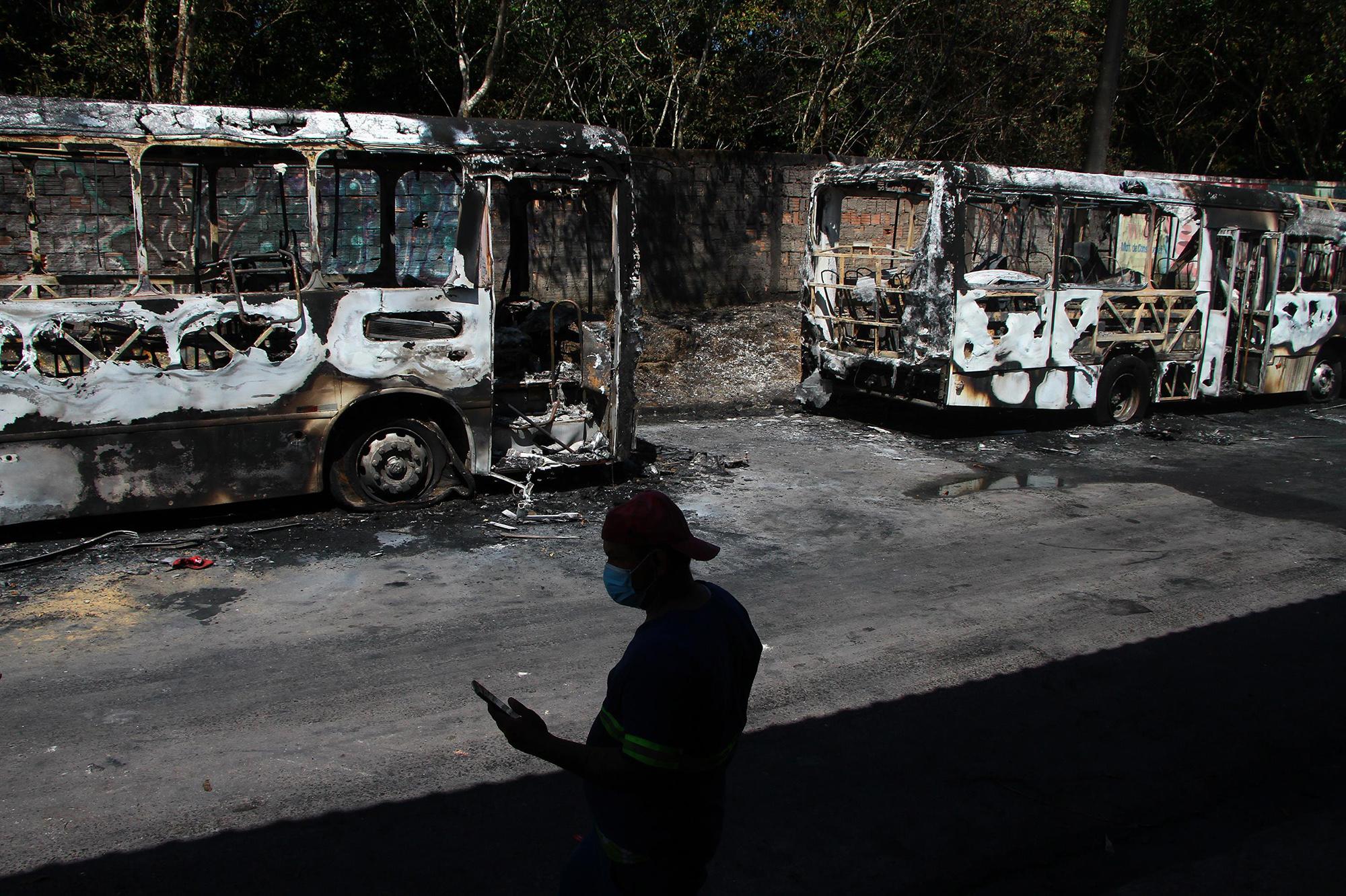Manaus e mais três cidades do Amazonas são atacadas pelo Comando Vermelho