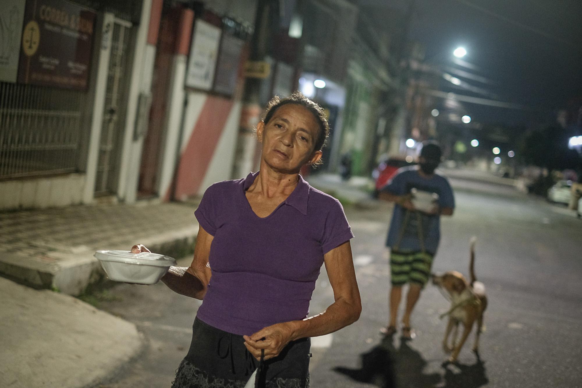 Desemprego reflete a fome em tempos de pandemia no centro de Manaus